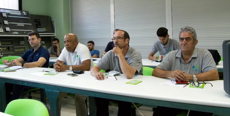 Curso medidas reglamentarias Emovili prácticas en aula taller de PLC Madrid