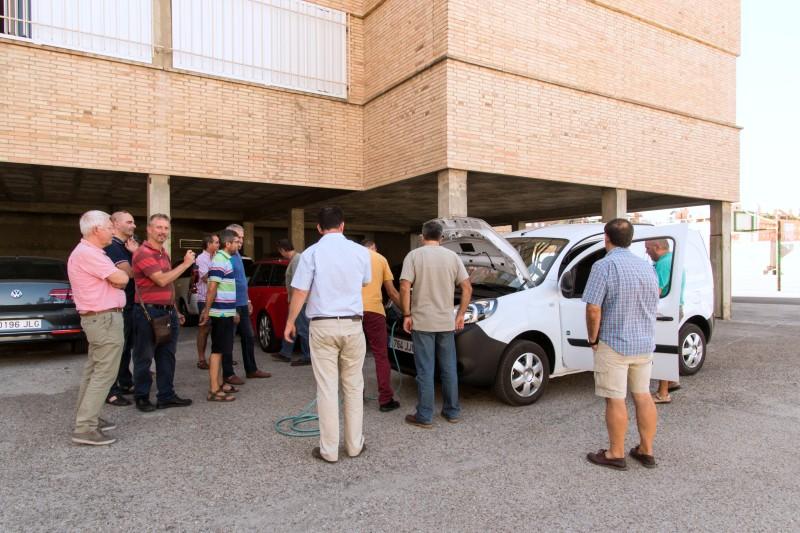Curso puntos de recarga para vehículo eléctrico para profesores de FP de la Comunidad de Madrid en centro educativo del cliente