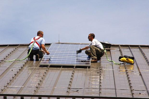 instaladores paneles solares por U.S. Army Enviromental Command 620x411 1